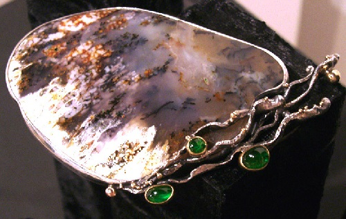 Brooch metal, moss agate, chrome