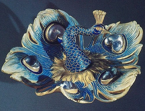 Gold, enamel, moonstones; 1897-1898