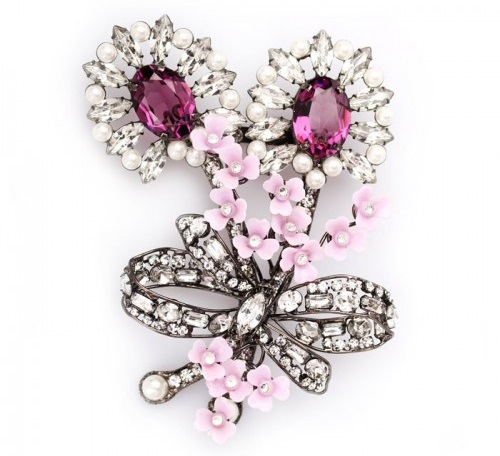 Great volume brooch from Larry Vrba, faceted crystals, delicate violet flowers and artificial pearls
