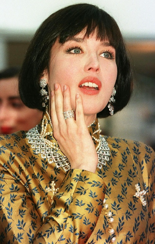 Isabelle Adjani at the Cartier evening which celebrated its 150th anniversary. Necklace with diamonds and platinum
