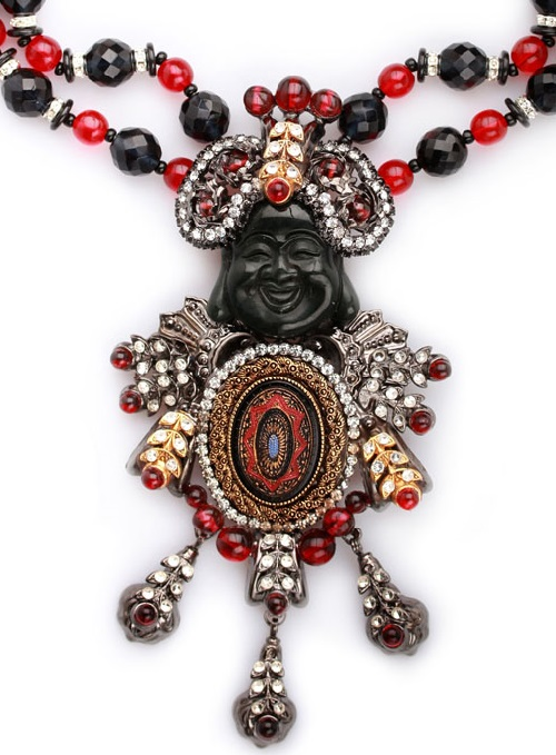 Maharajah Necklace in black and red scale. Jewellery by Larry Vrba
