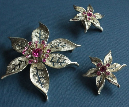 Poinsettia. Sarah Coventry vintage set