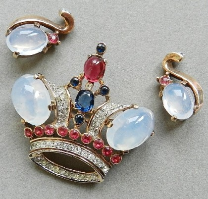 Crown Trifari brooch and clips