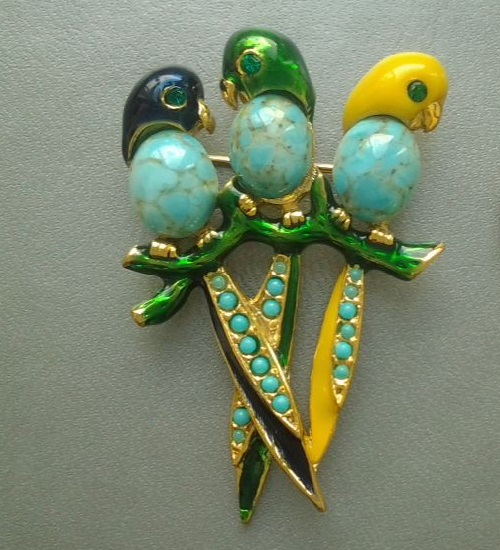 Vintage Brooch 'Friendly Family parrots' by Sphinx