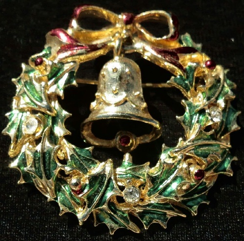 Avante, USA vintage Christmas brooch