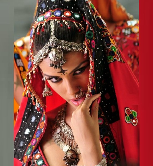Beautiful Brazilian model Gabriela Bertante in all the splendor of Indian wedding collection