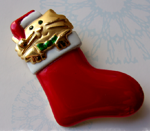 Brooch Kitten Christmas boot. Vintage 1980