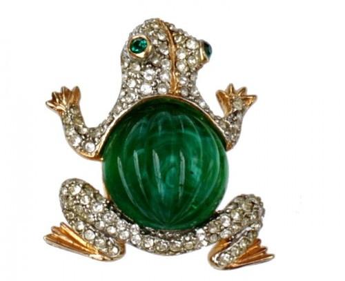 Brooch in the form of a frog by Kenneth Jay Lane. Rhinestones Swarovski