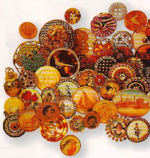 Buttons jewellery art