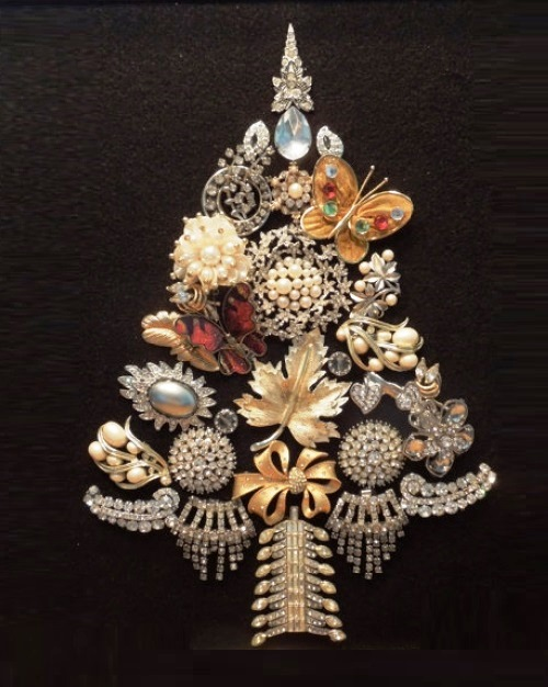 Christmas vintage jewellery - Christmas Tree made of brooches, earrings, bracelets, beads and buttons
