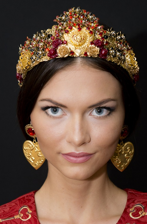 Crown Nika and earrings. Maria Jeweled Crowns
