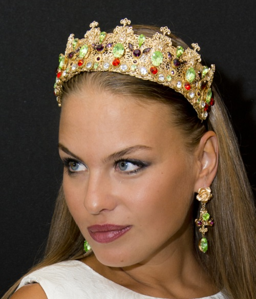 Crown Padua and earrings