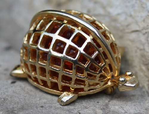DeNicola vintage brooch Turtle