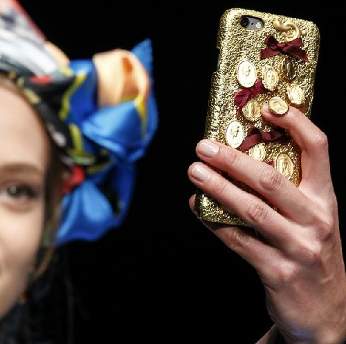 Dolce and Gabbana Winter 2016 accessories