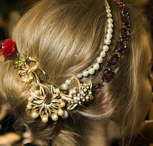 Dolce & Gabbana Winter 2016 accessories
