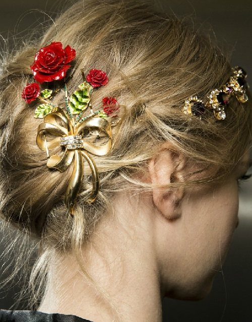Dolce & Gabbana Winter 2016 head accessories - massive hair pin in the form of red rose