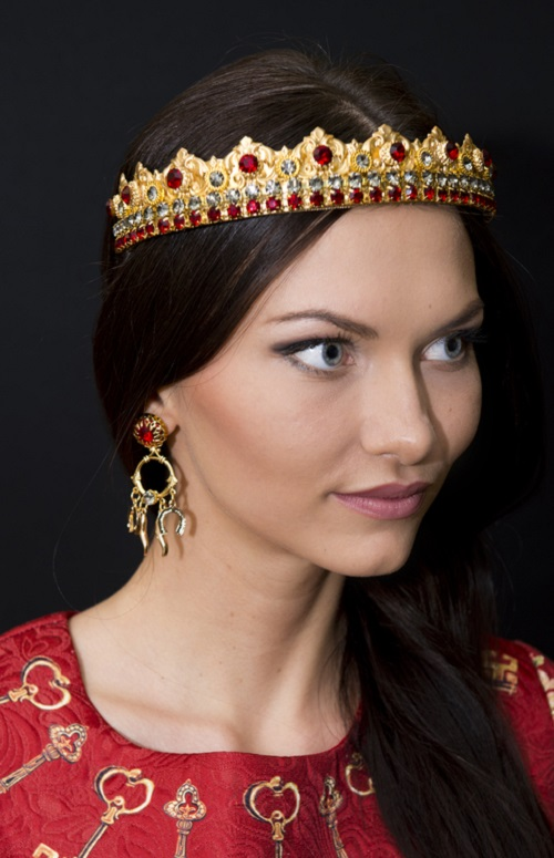 Eos Crown and Earrings
