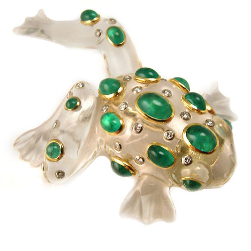 Frog inspired jewellery. Circa 1970. Schepps 18K Gold, Rock Crystal, Emerald & Diamond Clip