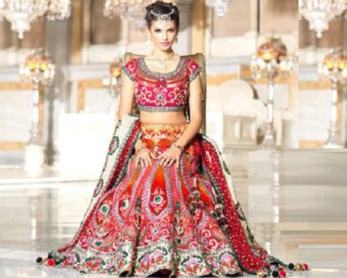 Gabriela Bertante in all the splendor of Indian wedding collection