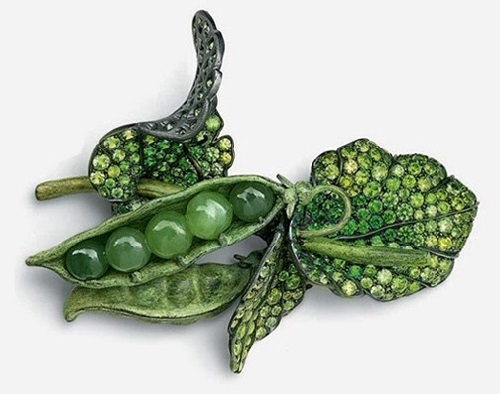 Hemmerle brooch Pea from the series 'Nature's Jewels'