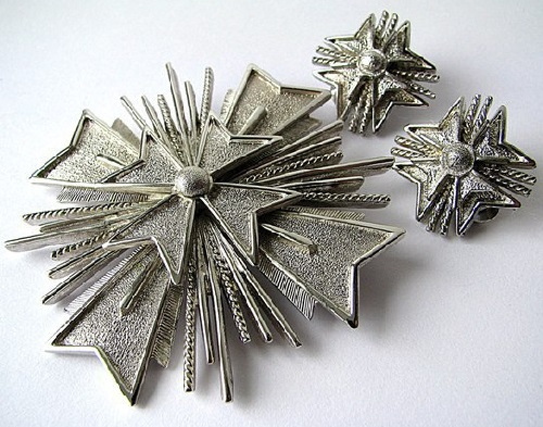 Monet vintage set of brooch and clips