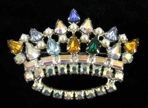 B. David vintage jewellery. Mother's Crown Pin by B. David