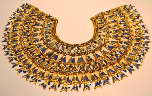 Necklace worn by Elizabeth Taylor in a few scenes - its metal parts are painted with enamel and are fixed on the basis of skin color flax