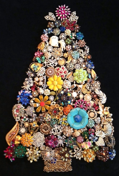 Second life of vintage costume jewellery
