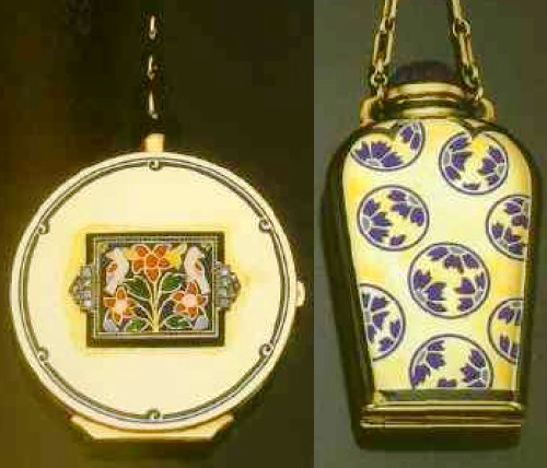 The powder and lipstick case of gold with enamel and diamonds. 1925-1930, Paris