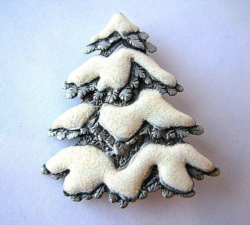 Vintage brooch by JJ Snow fur tree