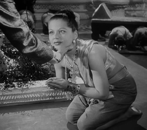 1942 movie The Jungle Book demanded thousands of decorations