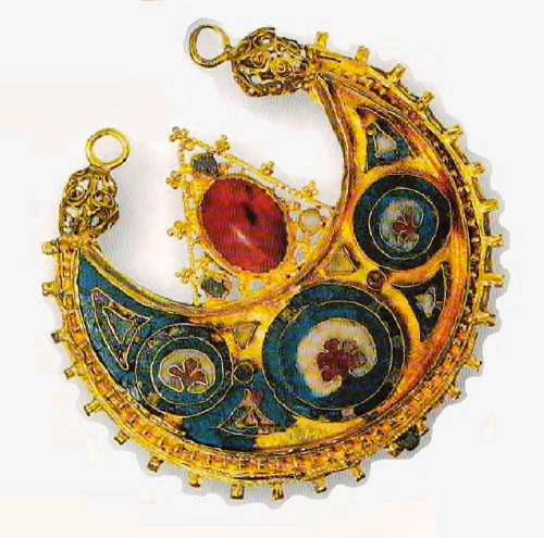 Ceremonial decoration of the royal court of Otto. The end of the X century. Gold, precious stones