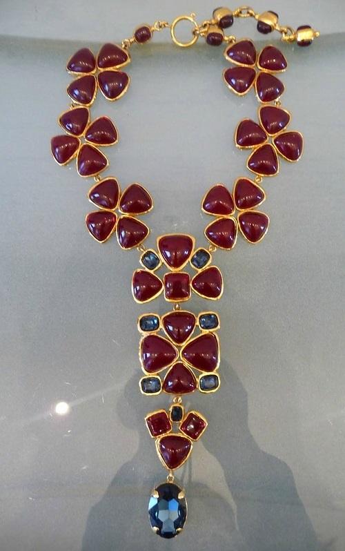 Chanel ruby Gripoix necklace