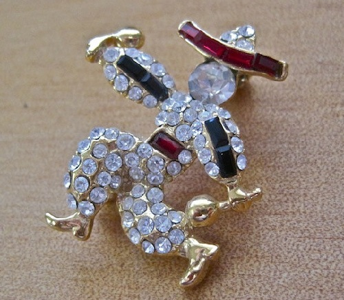 Flamenco dancer brooch