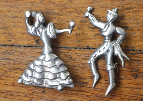 Flamenco dancers vintage silver brooch