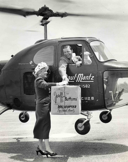 Joseff was depicted in the advertising picture in 1948. In the helicopter, he gives his jewelry in the trading house Buffums