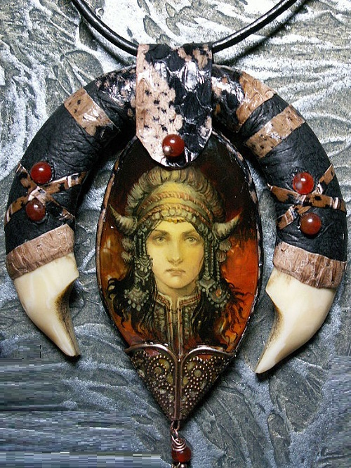 Pendant 'Shaman woman'. Pendant - amulet of agate, hand-painted with egg tempera, boar tusks and cobra skin. Jasper beads covered with leather. inlaid with carnelian fangs