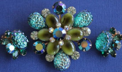 Fantasy set of vintage brooch and clips. 1960-70s