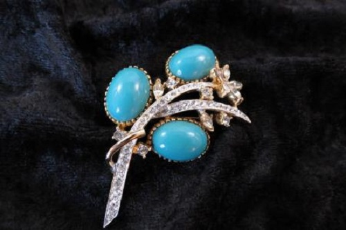 1964 Oleg Cassini Turquoise & Rhinestone Stylized Spray Brooch