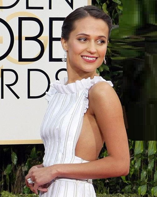 2016 Golden Globe Awards jewellery. Alicia Vikander in jewelry by Louis Vuitton