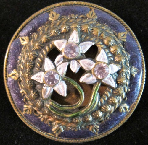 Banana Bob Victorian style brooch with floral motif