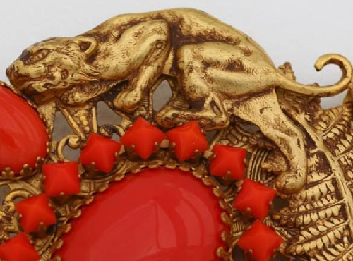 Brooch 'Wildcats' from the first collections of the 1980s closeup