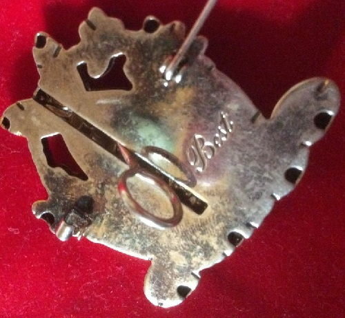 Brooch signed 'Best' on the back