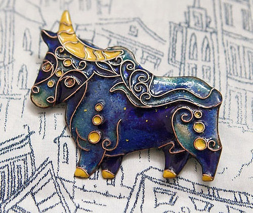 Chinese zodiac in jewellery. Bull (2021 February 12), element Metal. Enameled brooch Moon Bull. Jeweler Nataly Belonogova