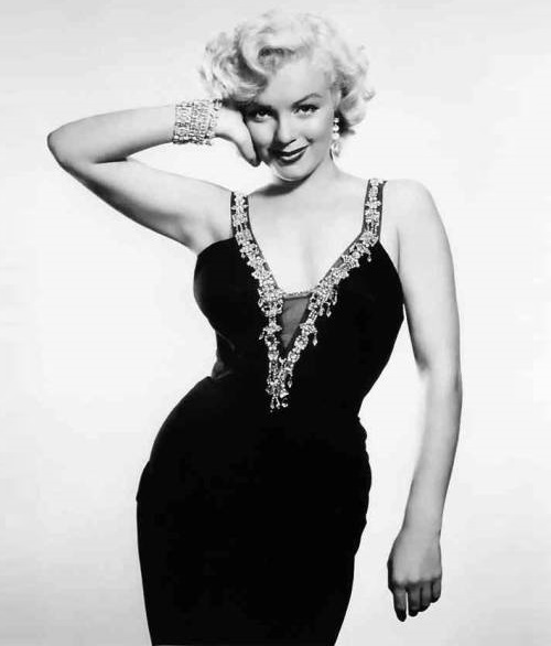 Dresses and jewelry of Marilyn Monroe were always admired both by fans and critics