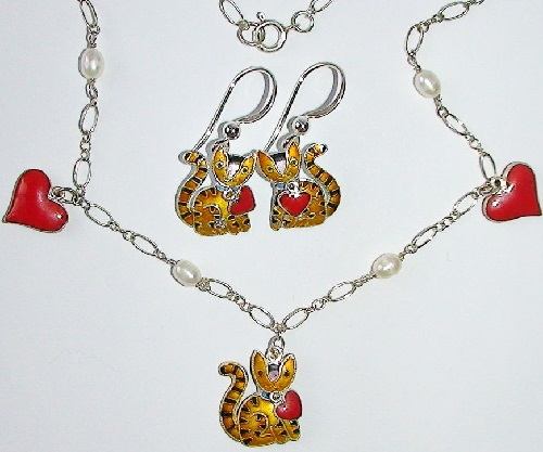 Earrings and necklace Cats