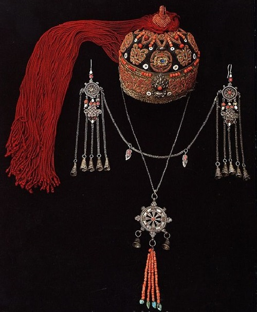 Headdress, earrings and pendant. Silver, coral and other stones