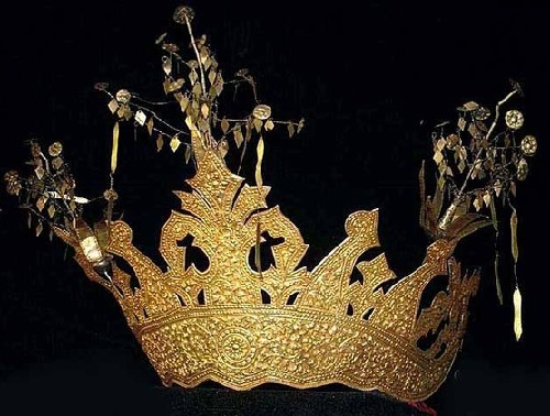 Indonesian ethnic jewellery - gilt silver crown
