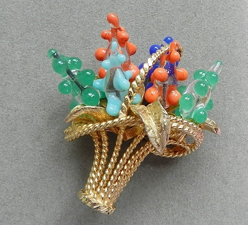 Jeanne vintage brooch of 1960s