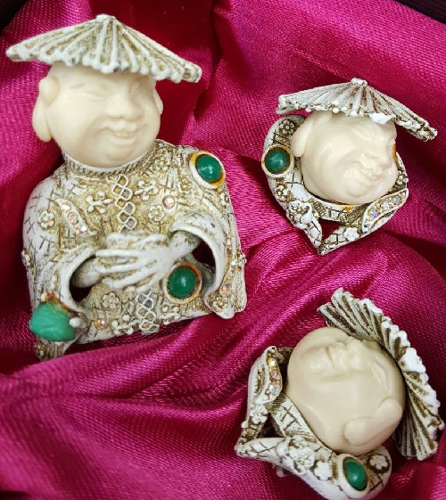 Laughing Chinese. Jewellery made of durable alloy coated with white enamel. Exotic and rare HAR Jewellery